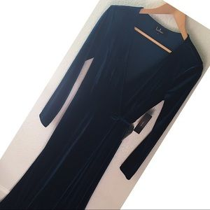 Lulus long velvety evening wrap gown. Teal color